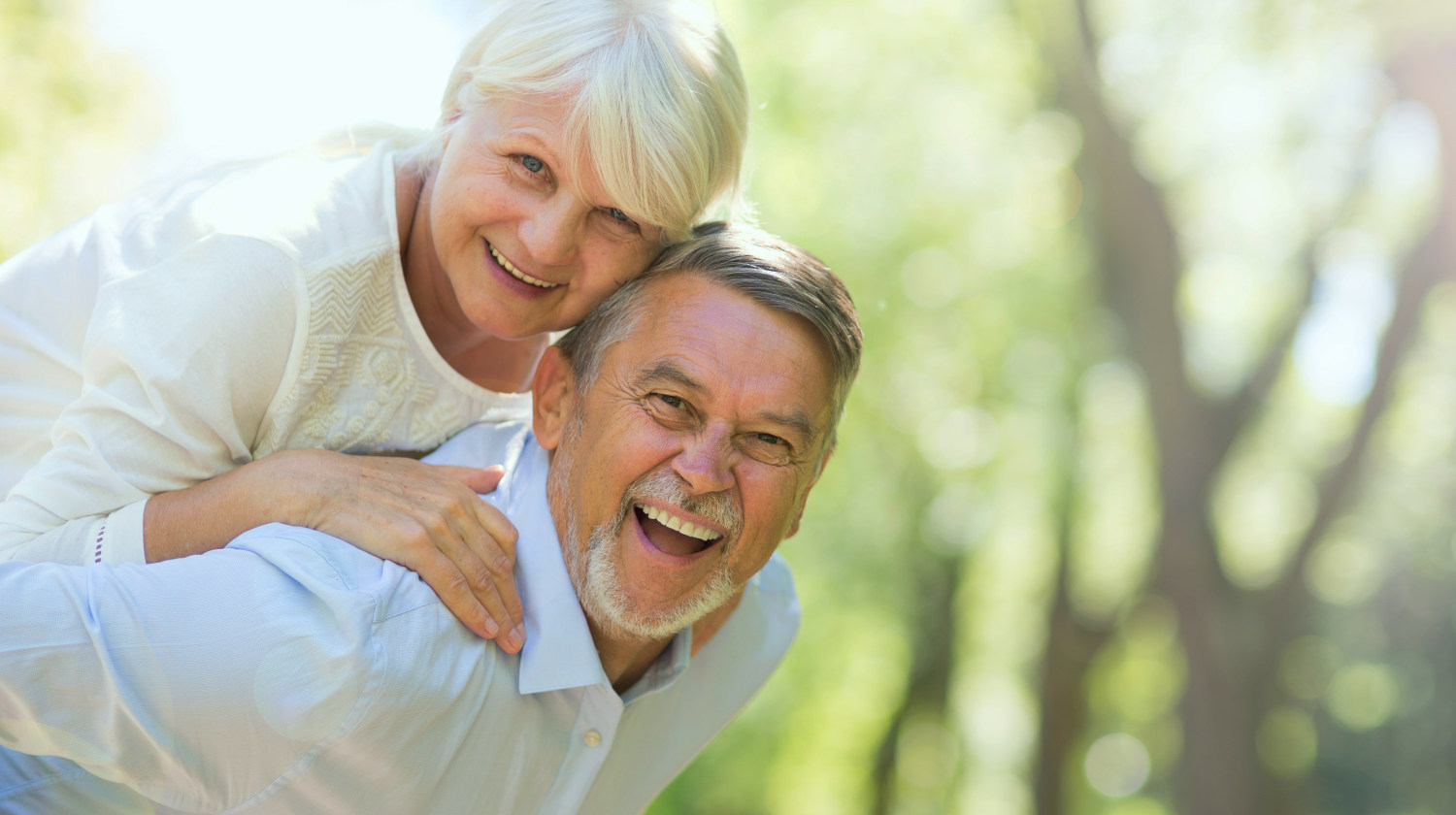 Senior couple standing outdoors | Good Lifestyle Habits Baby Boomers Should Adopt | good habits | living a healthy lifestyle | Featured