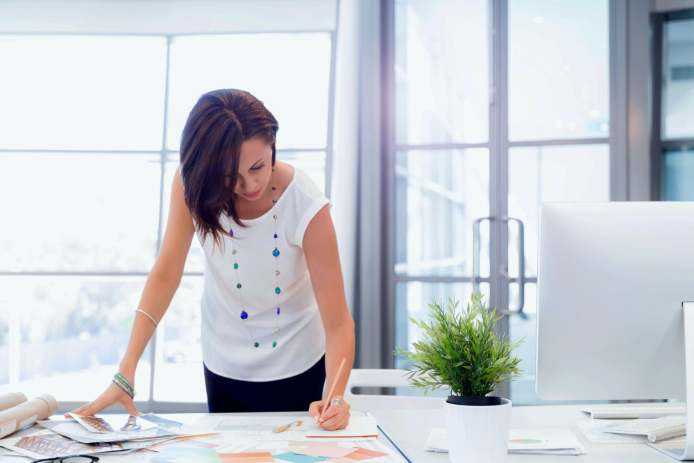 Modern business woman in the office | How To Be Self-Disciplined? 9 Powerful Tips To Be Positively Focused | how to get self discipline