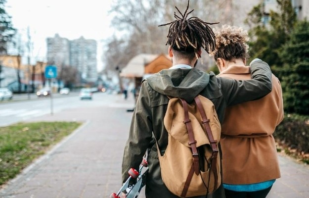 2 best friends going to school together | Why Is Empathy Important? | How to Be More Empathetic: 10 Ways