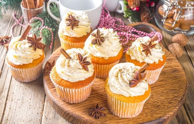 Christmas Eggnog Cupcakes with sugared spices - ss | Christmas Cake Ideas You Need To Try This Holiday | Eggnog Cake